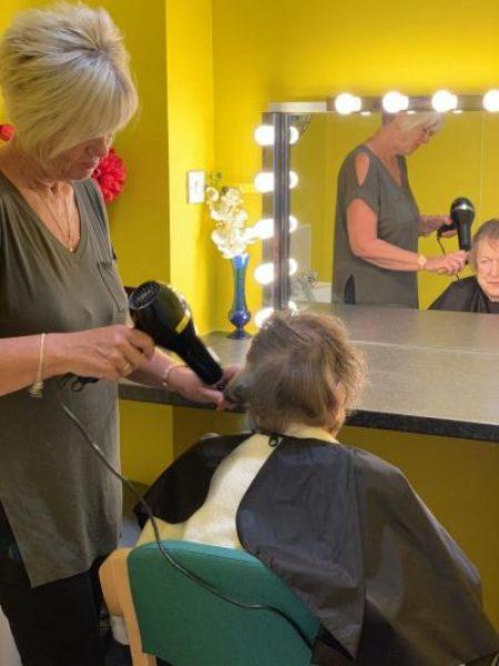 hairdresser-400w